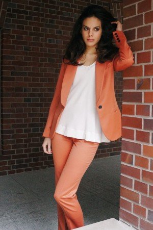 Suit pants made from fine wool in subdued orange color